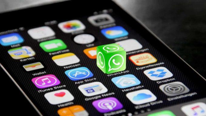 Aplicativo WhatsAPP em celular