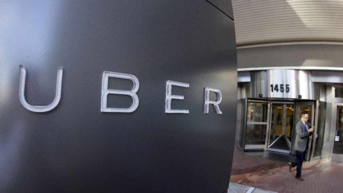 Letreiro com nome Uber