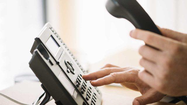Fazendo ligação por telefone